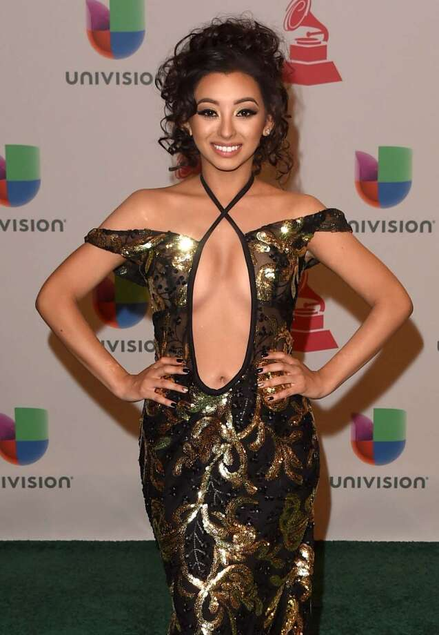 Desiree Estrada does not know that belly buttons are not part of your cleavage. Photo: Jason Merritt, Getty Images