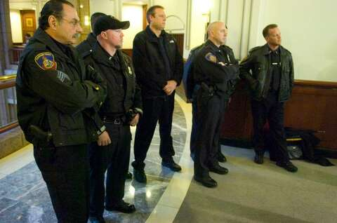 Stamford police officer recounts 2009 chimp attack to state