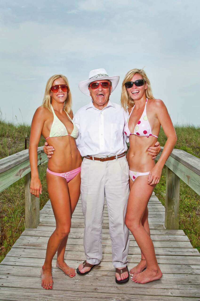 15. Jacksonville, Florida ♀ 141,895 single women