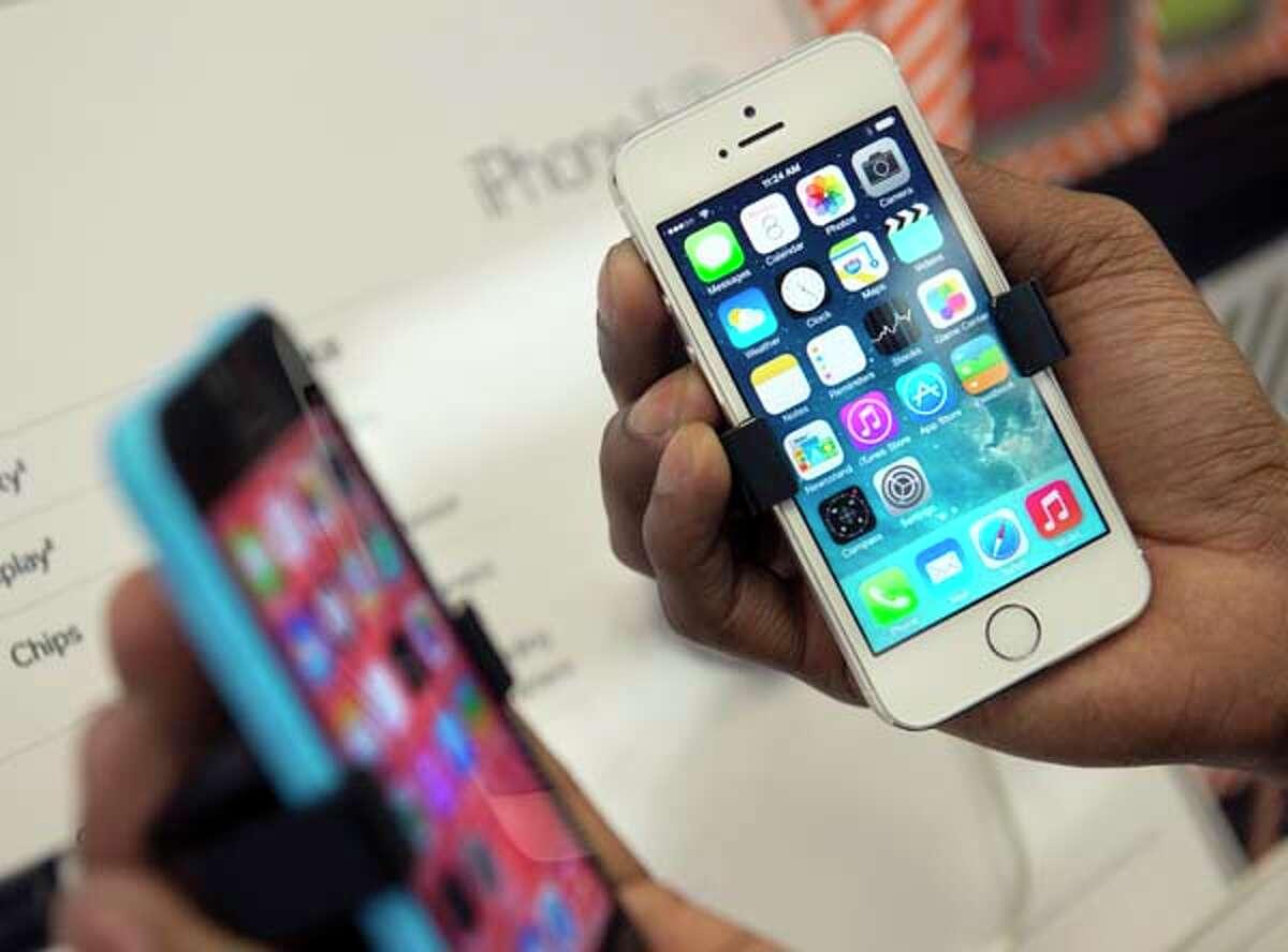 No. 3 in Phones Radio Shack's average discount is 34.67 percent.
