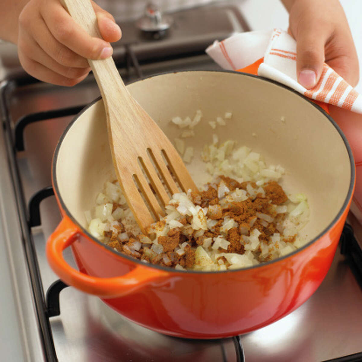 15. Cooking utensil Number of burn cases in 2013: 3