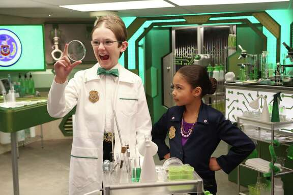 """Agent Oscar (Sean Michael Kyer, left) and Millie Davis (Ms. O) star in """"Odd Squad,"""" which aims to help 5- to 8-year-olds learn math."""