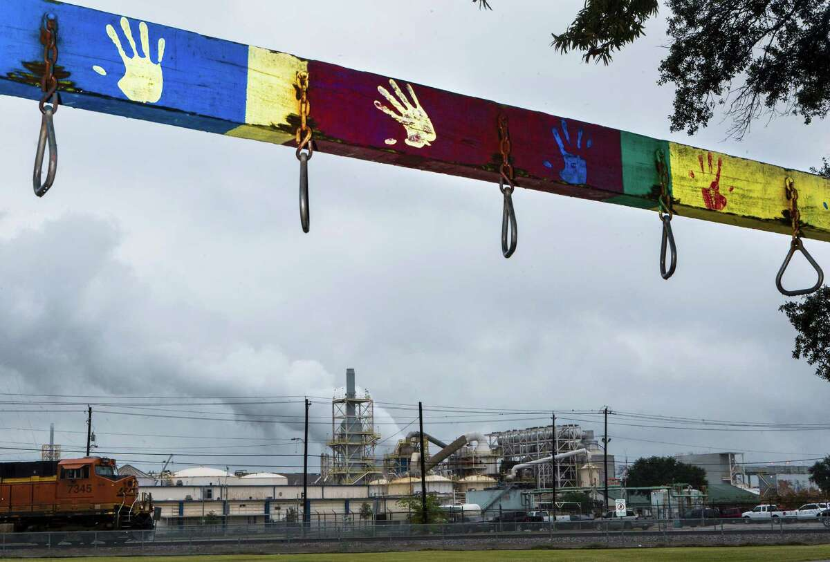 View of industrial site in Pasadena from the empty Peiser Park, Friday, Nov. 21, 2014, in La Porte. ( Marie D. De Jesus / Houston Chronicle )