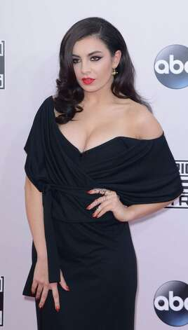Charli XCX vamped it up on the red carpet... Photo: C Flanigan, Getty Images / 2014 C Flanigan