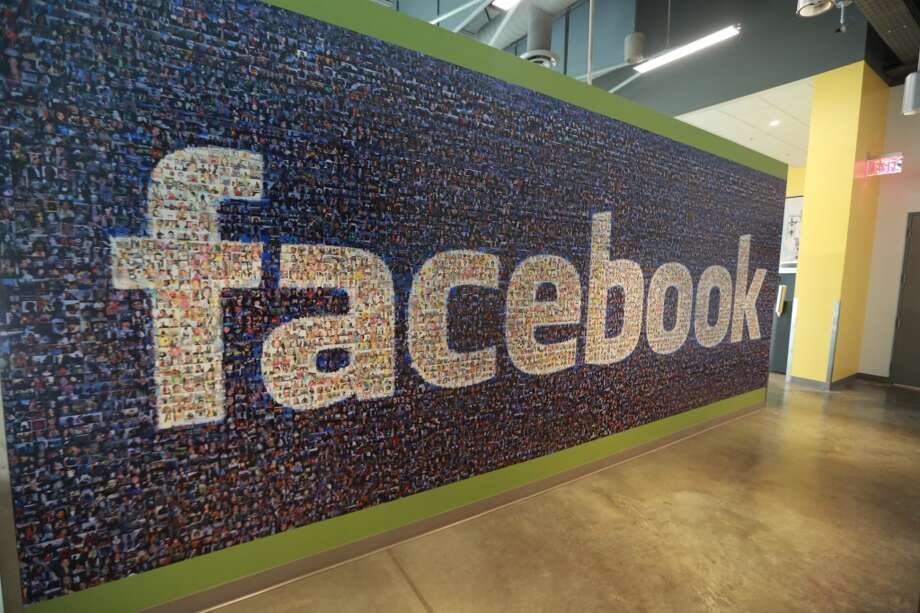 Two Houston hospitals get high marks for use of social media sites such as Facebook. Photo: Charlie Litchfield, Associated Press