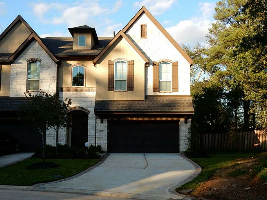 $440,0003 Bedrooms / 2 Full & 1 Half Bathrooms / 2,235 square feet64 Daffodil Meadow PlaceThe Woodlands, Texas 77375  Photo: Houston Association Of Realtors