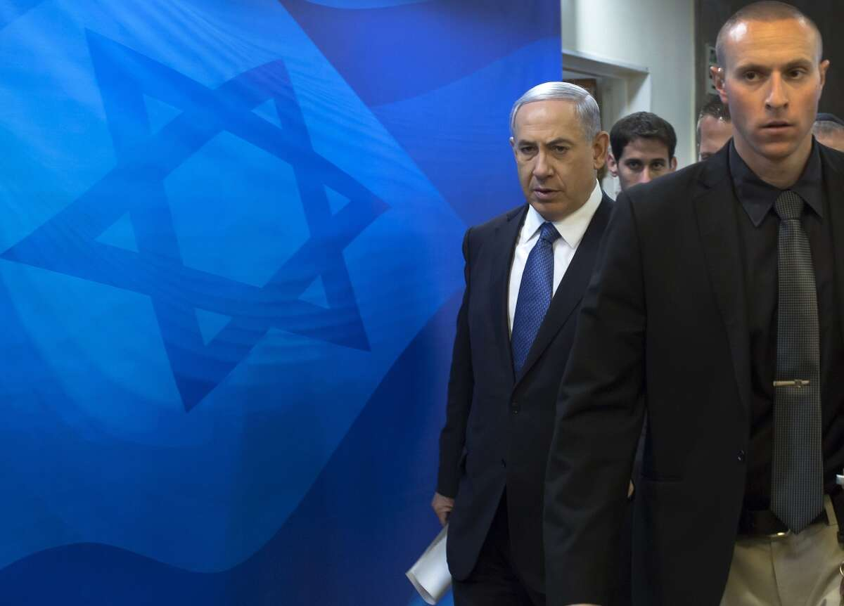 Israeli Prime Minister Benjamin Netanyahu (left) backs the controversial measure and says he will push ahead with it in some form.