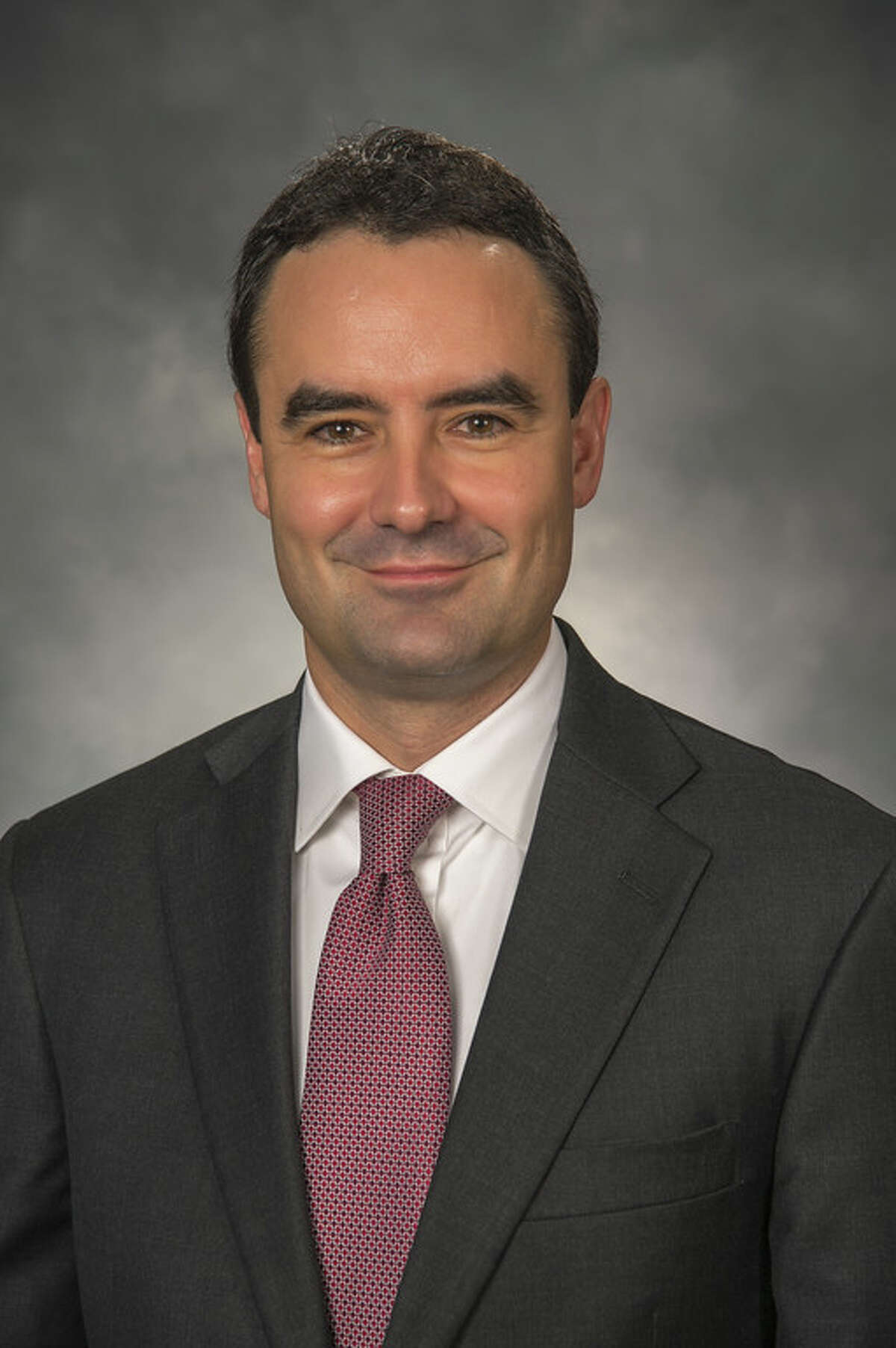 SunTrust Robinson Humphrey adds Kevin Lowe to its San Francisco-based western corporate banking team.