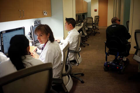 Stanford doctors look to stave off vision loss - SFGate