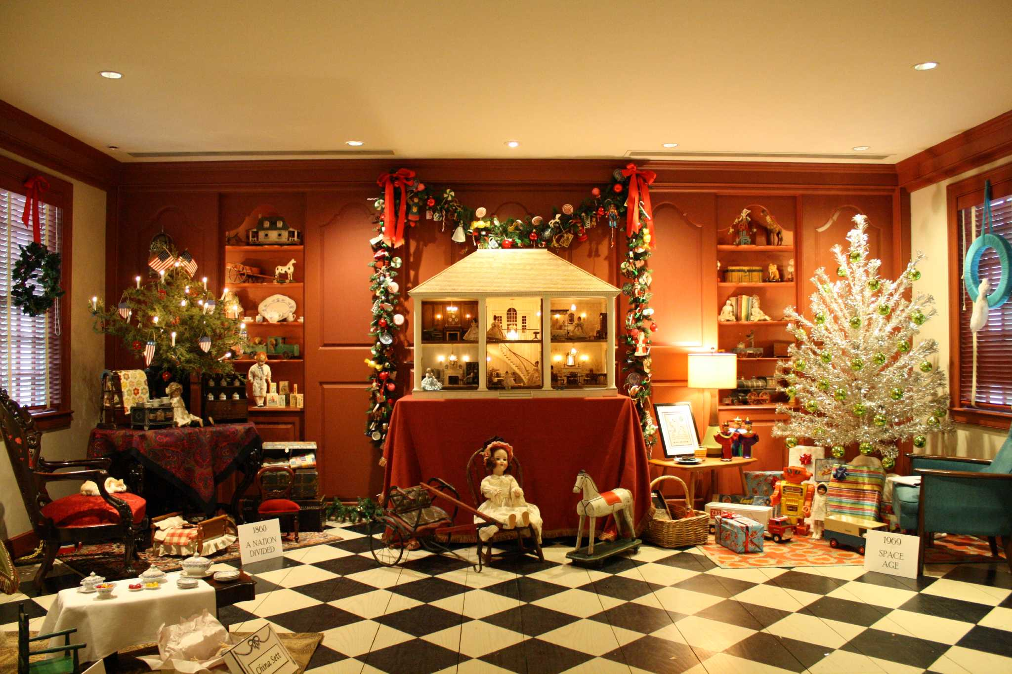 Houston holiday home tours offer decorating ideas for Home decor offers
