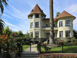 891 Union St. in Alameda is a six-bedroom Victorian designed by Joseph Leonard.