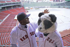 Sandoval says friends, history helped lure him to Boston - Photo