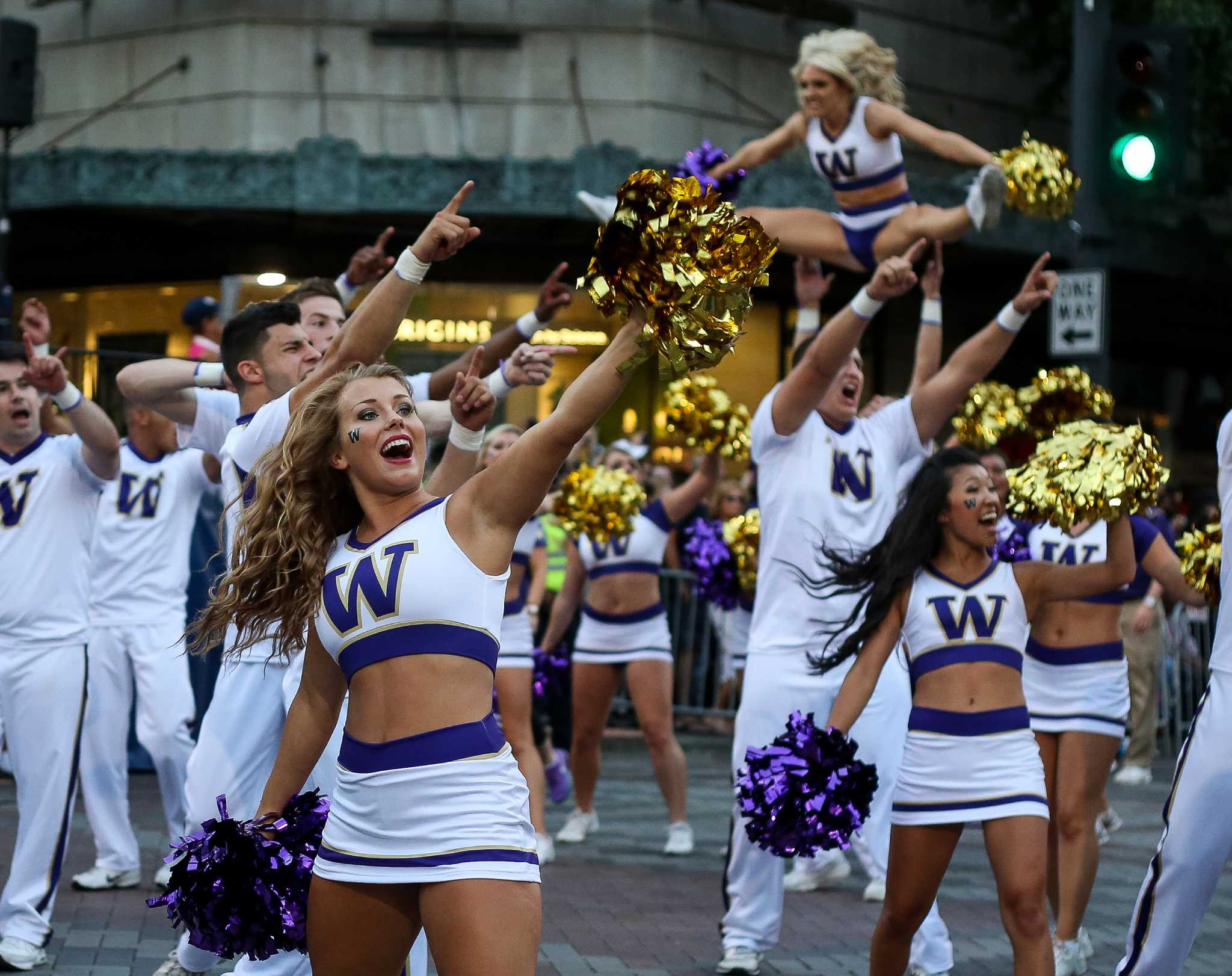 University if washington cheerleaders nude