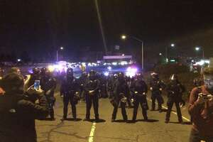Oakland freeway blocked on second night of Ferguson protests - Photo