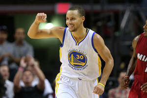 Curry scores 40 in Warriors' win over Heat - Photo