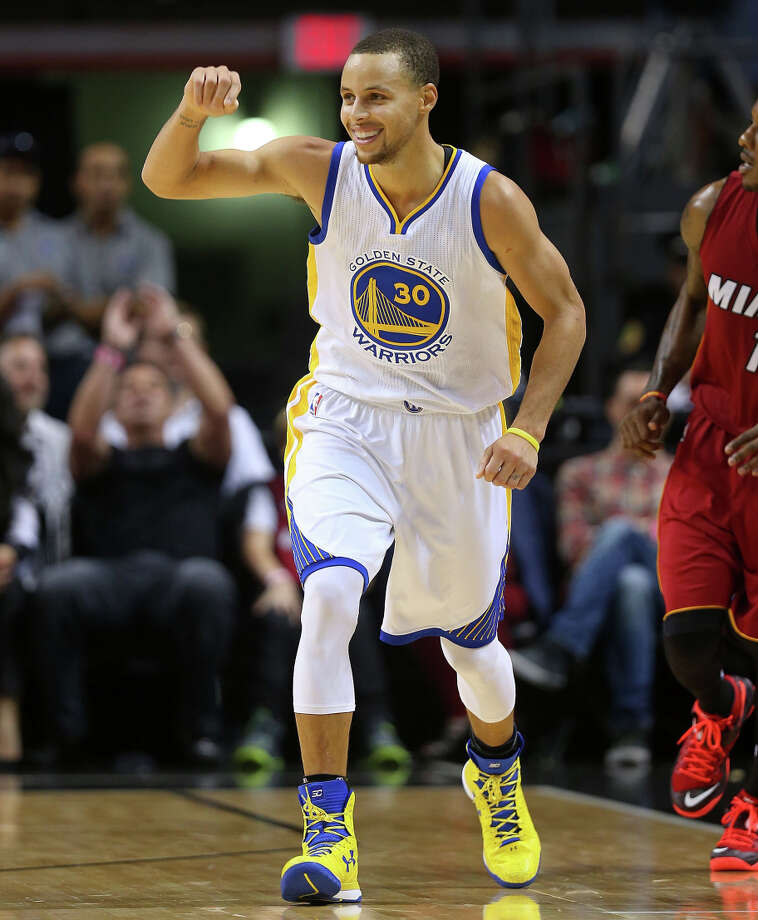 Stephen Curry's 40-point performance sparked the Warriors' turnaround from a 16-point deficit to a 17-point victory. Photo: Mike Ehrmann / Getty Images / 2014 Getty Images