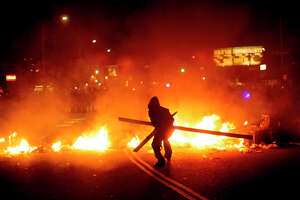 Oakland protesters show they're in charge - Photo