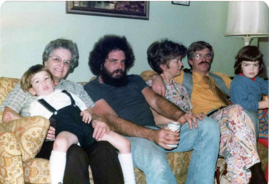 When Thanksgiving Goes Wrong Awkward Family Photos - Sfgate-4442