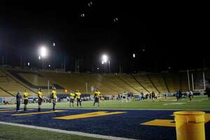 Cal passers make a drop in the bucket significant - Photo
