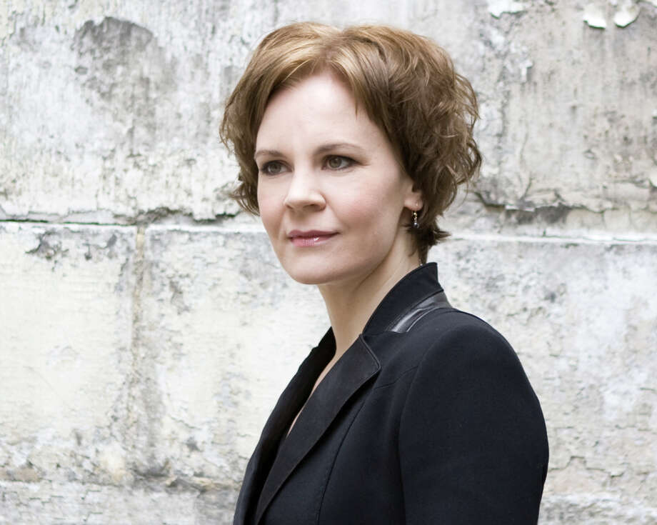 Finnish conductor Susanna Mälkki will lead the San Francisco Symphony in a program of of Brahms, Bartók and Griffes. Photo: Simon Fowler / Simon Fowler / ONLINE_YES