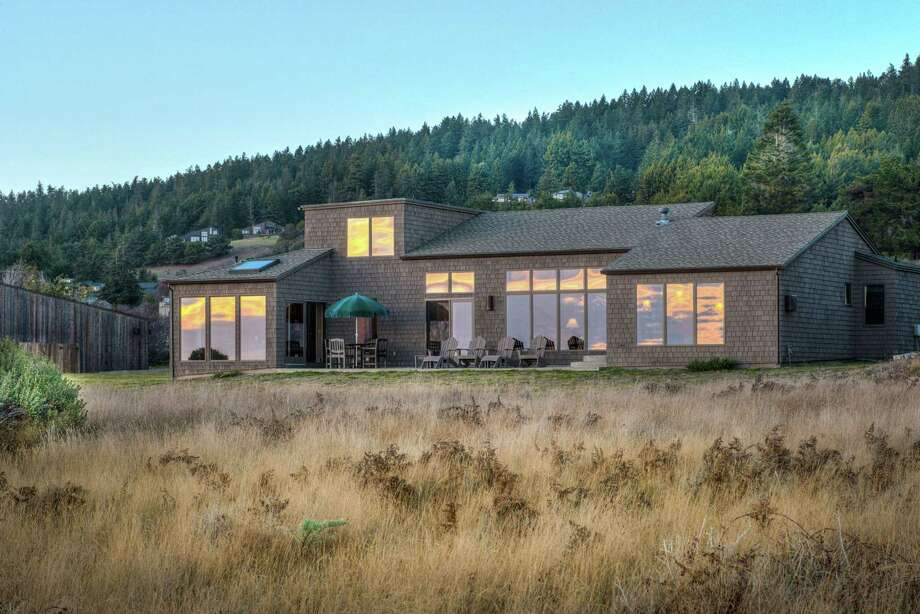 38069 Breaker Reach in The Sea Ranch is a wood-shingled home available for $1.499 million. Photo: Sea Ranch Images / ONLINE_CHECK