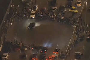 CHP breaks up huge 'sideshow' in Oakland, plans many arrests - Photo