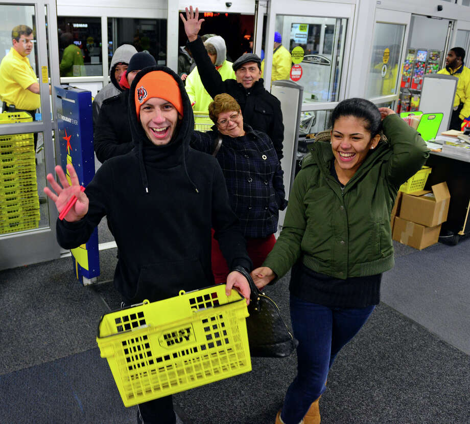 Holiday shoppers waited in long lines to take advantage of Thanksgiving pre-black Friday deals at the Best Buy at Hawley Lane in Trumbull, Conn. which opened at 5 p.m. on Thursday Nov. 27, 2014. Photo: Christian Abraham / Connecticut Post