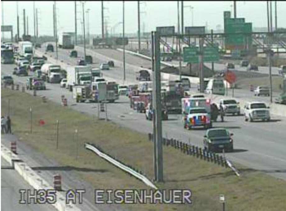 Police respond to a major accident on Interstate 35 near Rittiman and Eisenhauer Roads. Photo: Courtesy