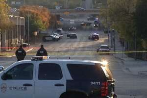 Austin gunman dies after shooting at goverment buildings - Photo