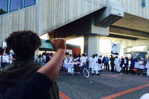 Protest at West Oakland prompts BART delays Friday - Photo