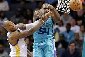 Led by Speights, Warriors overtake Hornets for 8th win in a row - Photo