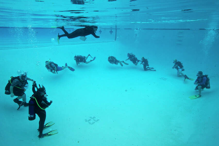Scuba diving class Take a few hours and learn the ins and outs of scuba diving. At one of several area dive specialty stores, you can take a class in scuba as well as plan a diving trip. SA Scuba Shack 10102 Huebner Road 210-718-0868 Dive World Scuba Center 2250 Thousand Oaks 210-403-3721 Stone Oak Scuba 18322 Sonterra Place 210-267-2027 Duggan Diving 2617 Pat Booker Road 210-658-7495