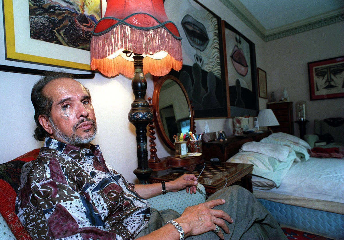Artist Mel Casas, pictured in his home in 2001, helped found the influential Chicano art group Con Safos.
