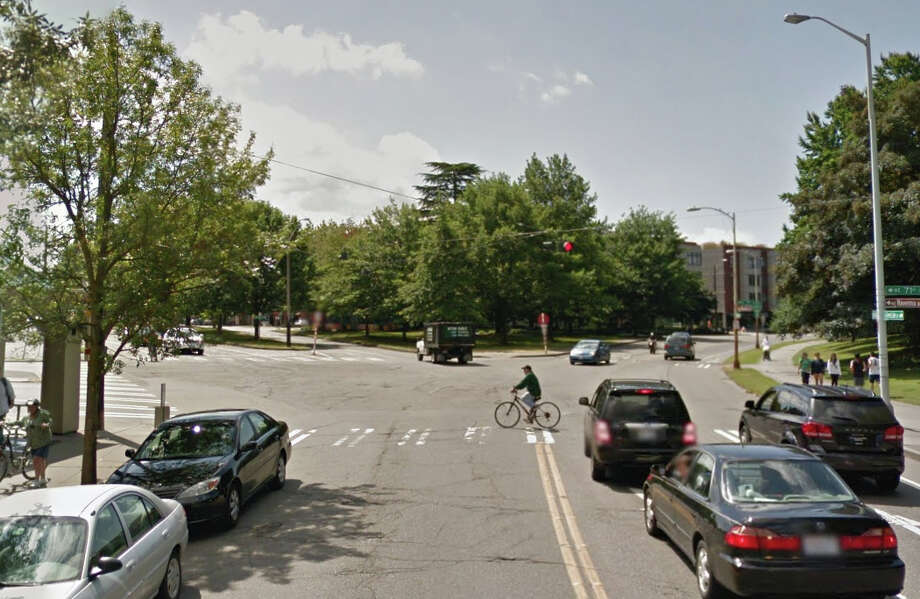 Does Seattle have any plans or ideas for improving the confusing intersection of East Green Lake Way/Drive North, Northeast Ravenna Boulevard and 71st Street Northeast? Photo: Google Street View