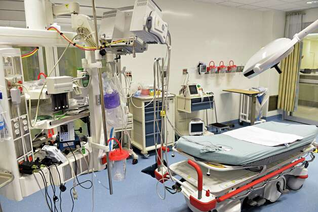 Resuscitation room for critically ill patients at Ellis Hospital's new Emergency Care Center Thursday, Sept. 18, 2014, in Schenectady, N.Y.  (John Carl D'Annibale / Times Union) Photo: John Carl D'Annibale / 00028570A