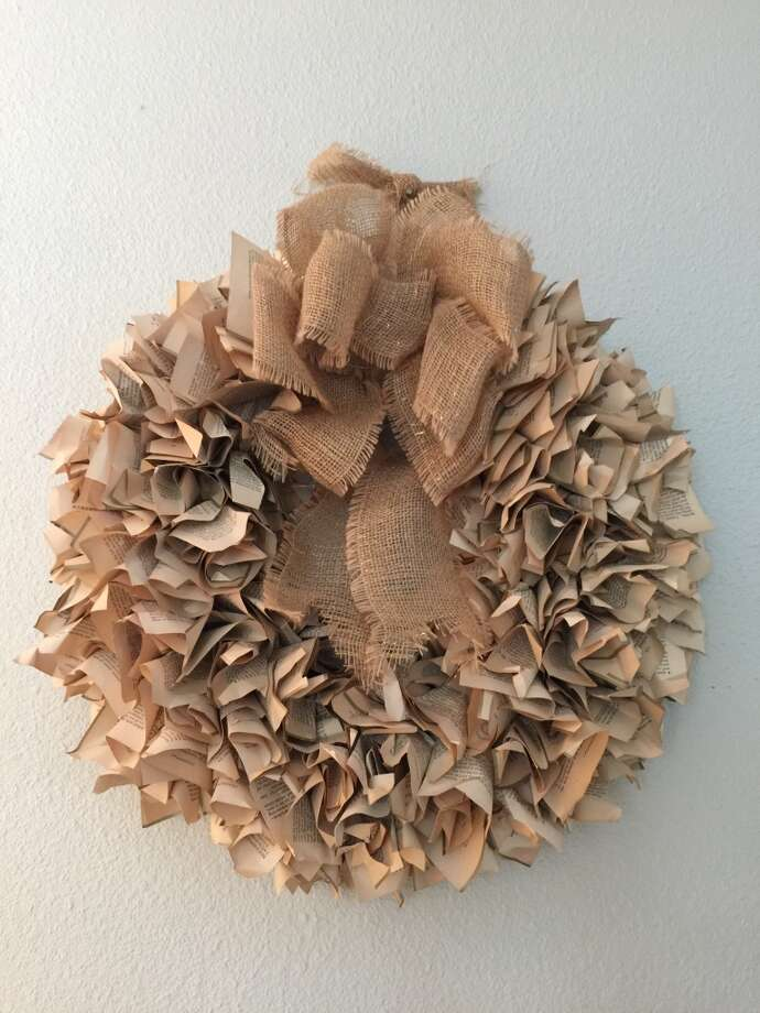 Here's how to make this wreath. It was super-inexpensive to make. Photo: Emily Spicer, San Antonio Express- News