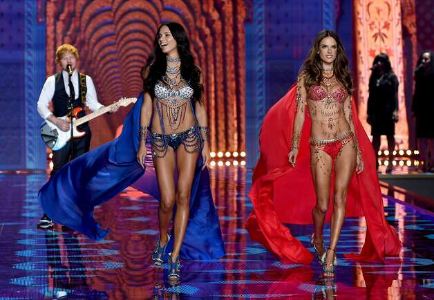 2014 Victoria's Secret Fashion Show Ed Sheeran Singer Ed Sheeran L performs