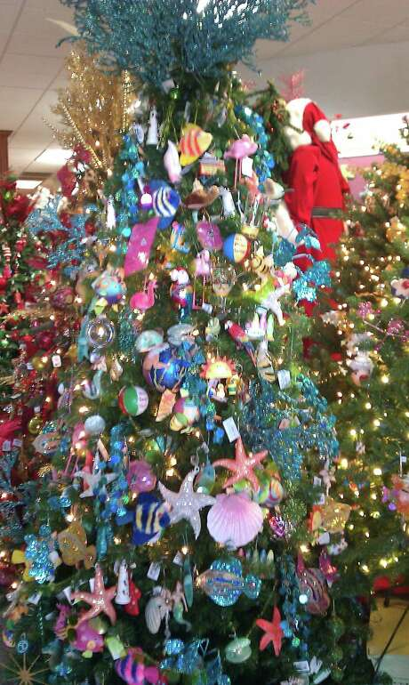 A fish-themed tree at The Collector's Gallery. Photo: Jennifer Rodriguez, Freelancer / For The Express-News / San Antonio Express-News