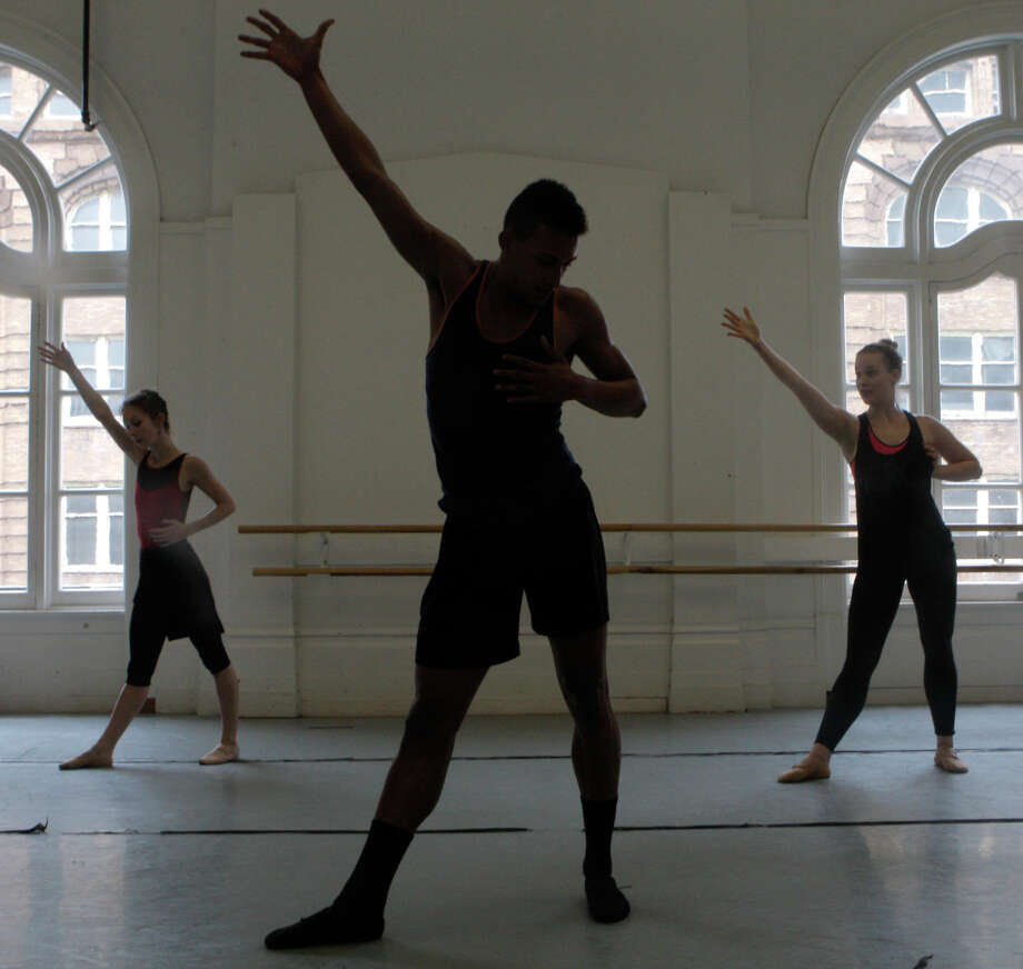 Rachel Furst (left), Isaiah Bindel and Jordan Drew rehearse their performance for Gregory Dawson in the Alonzo King Lines Ballet Dance Center in San Francisco. Photo: Daniel E. Porter / The Chronicle / ONLINE_YES