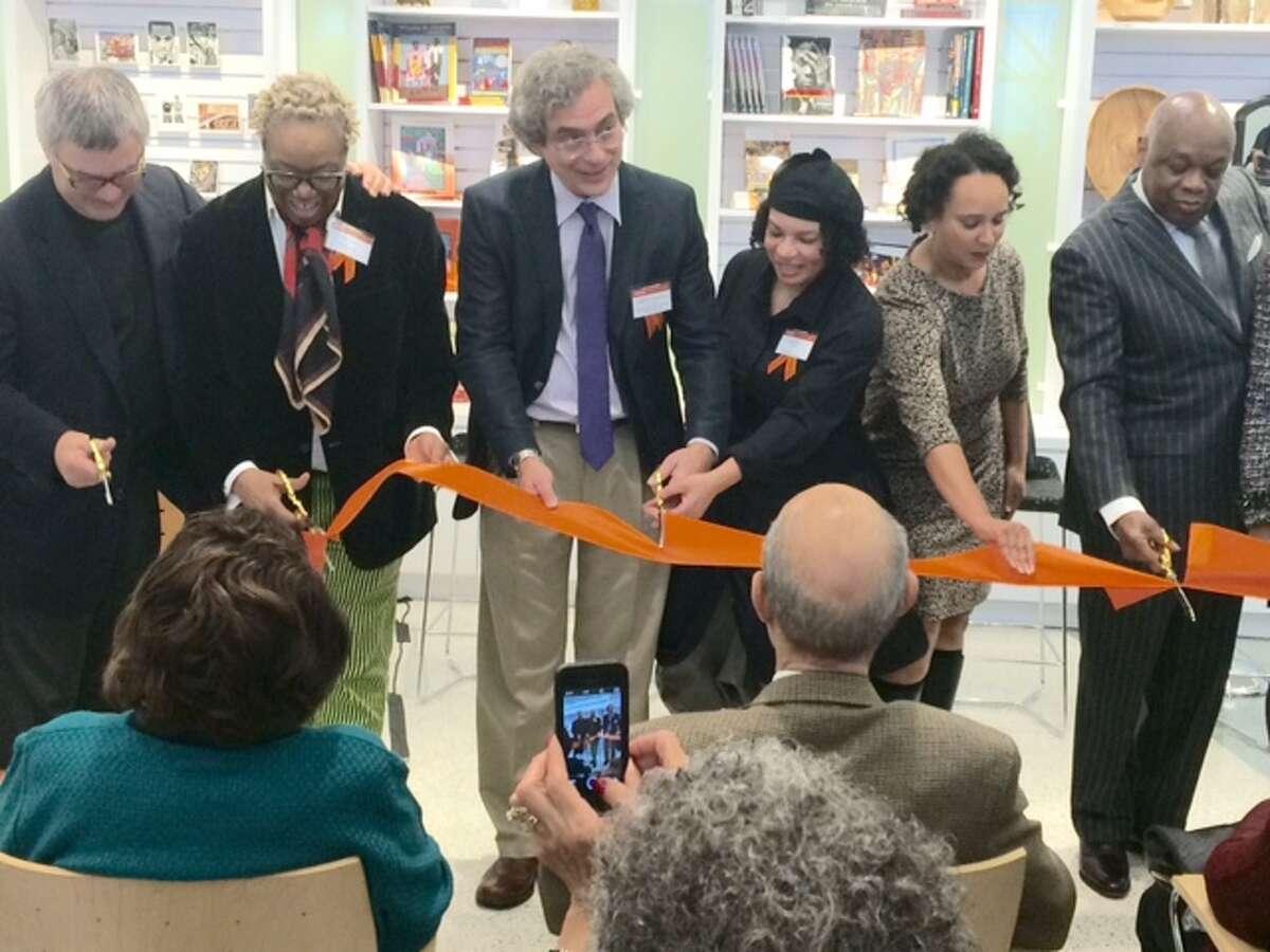 (From left)Wade Rose, Linda Harrison, Alejandro de la Fuente, Lava Thomas, Naomi Kelley, Willie Brown cutting the ribbon