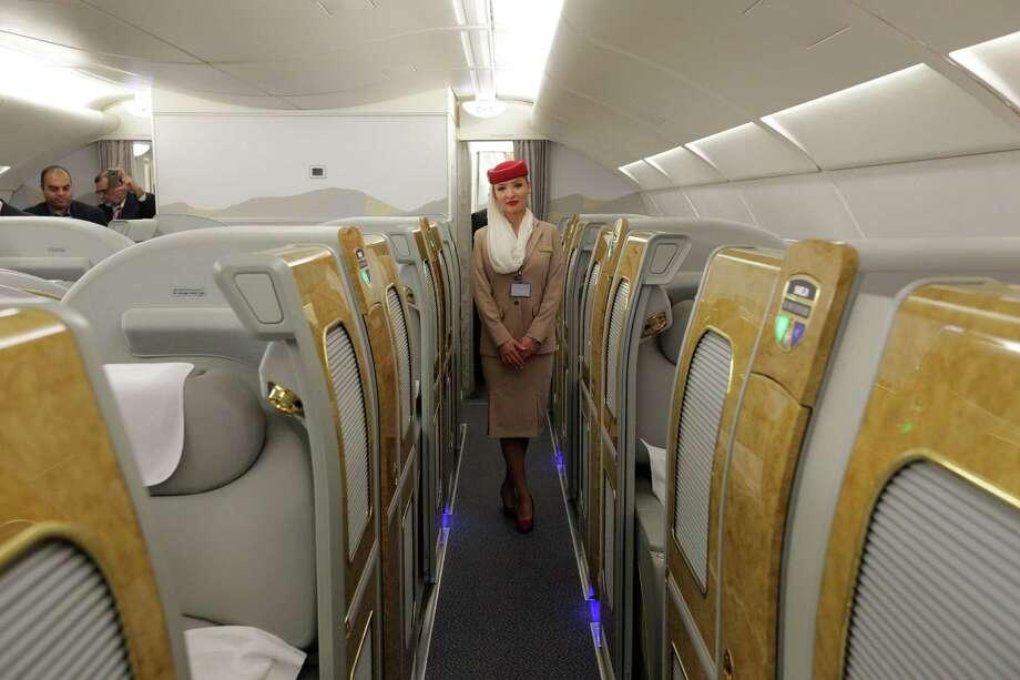 A Updated Business Class Emirates Tour