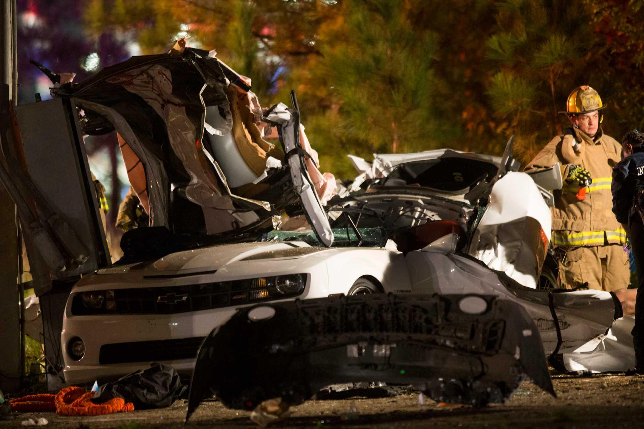 Crash Off I 45 Leaves At Least 3 People Dead Houston