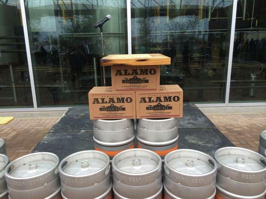 Alamo Beer's ribbon cutting ceremony on Friday, Dec. 5, 2014. Photo: Benjamin Olivo/San Antonio Express-News