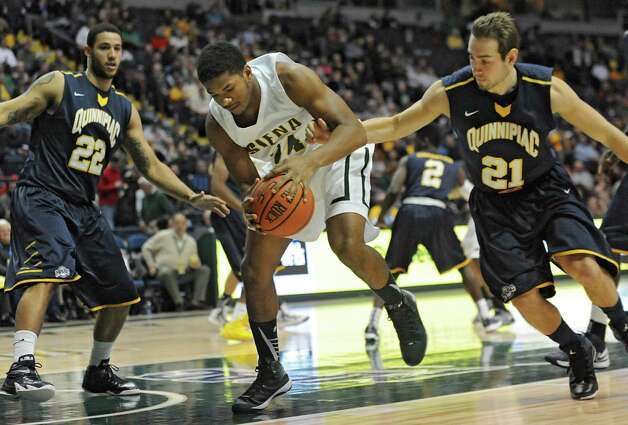 Siena's Lavon Long tries to keep the ball during a basketball game against Quinnipiac at the Times Union Center on Friday, Dec. 5, 2014 in Albany, N.Y. (Lori Van Buren / Times Union) Photo: Lori Van Buren / 00029714A