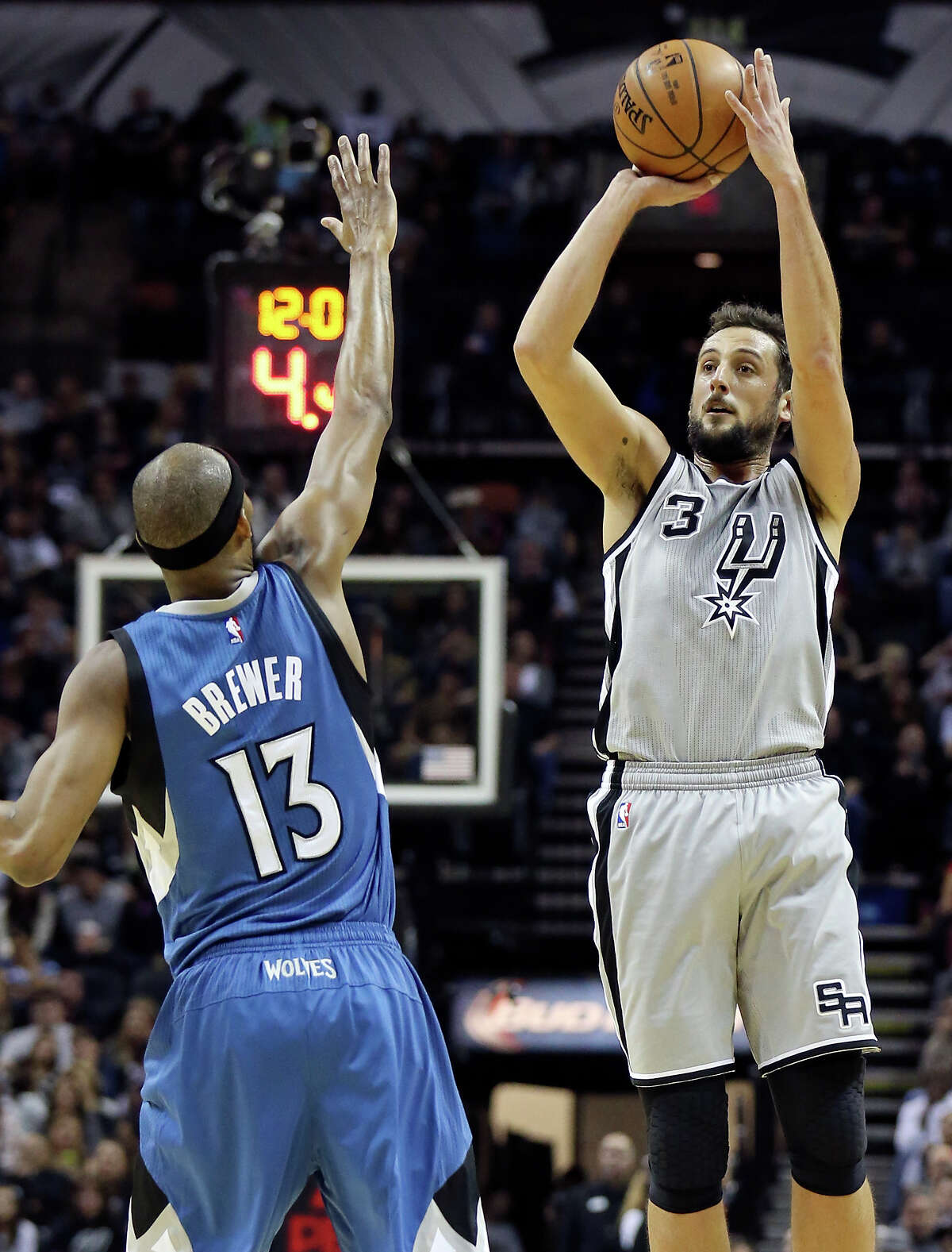 Combined years of experience on Spurs 15-man roster: 101 years, an average of 6.73 years/player Marco Belinelli has been a pro for 7 years.