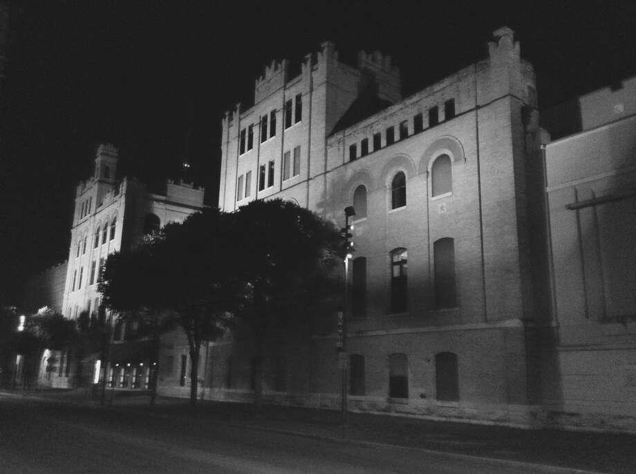 The San Antonio Museum of Art stands stately on Jones Avenue. Photo: Robert Kolarik, San Antonio Express-News