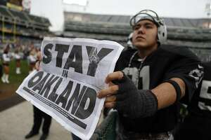 No move imminent — Raiders likely to extend Coliseum lease - Photo