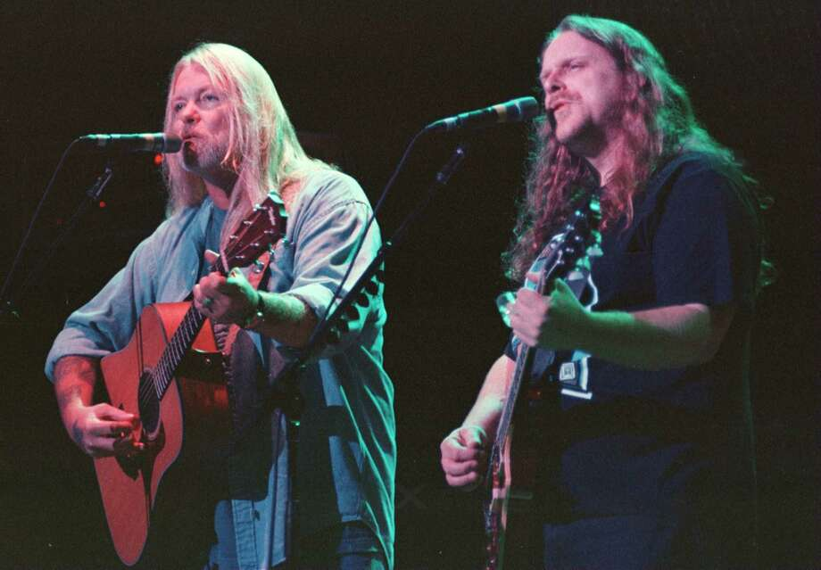Times Union Photo by  KATHERINE FRIEDRICH, 6/24/96, Saratoga,NY-- Allman Brothers keyboardist Greg Allman, and guitarist Warren Haynes before Midnight Rider during the Allman Brothers concert at SPAC Monday, June 25, 1996 Photo: KATHERINE FRIEDRICH / ALBANY TIMES UNION