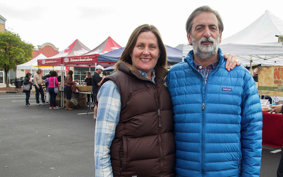 Organizers of the Yard Farmes Market, Heather Hunter and F. David Lent, will be stepping down. Photo: Express-News File Photo