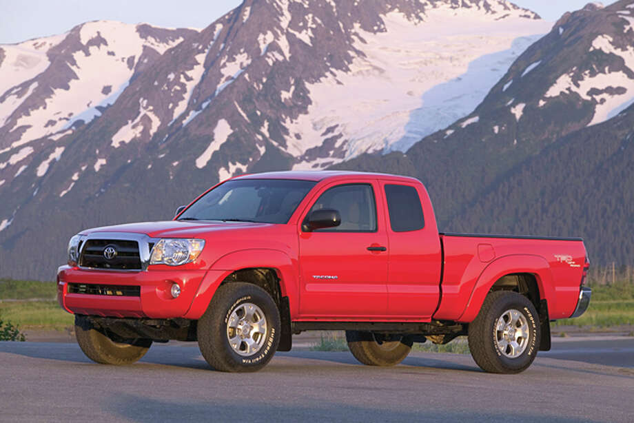 2015 Toyota Tacoma Access Cab V6 4x4 (photo courtesy Toyota North America) Photo: David Dewhurst / David Dewhurst